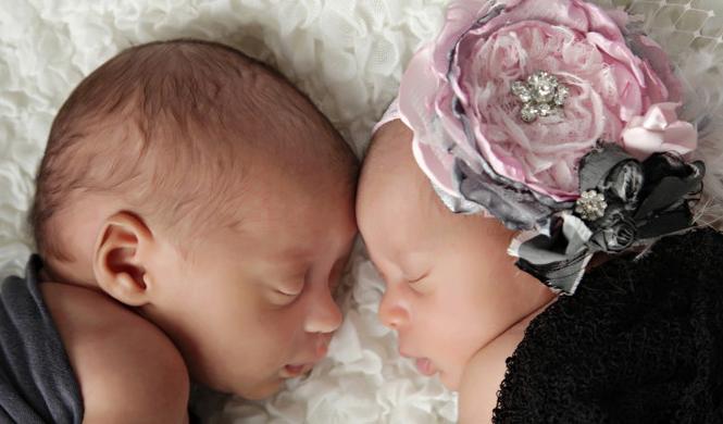 Crib Note – Shani and Davyeon Ross